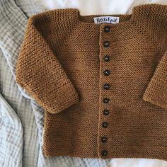 Beginner's Jacket pattern by PetiteKnit - - The Beginner's Jacket is a perfect beginner's project if you are new to the world of knitting! The pattern contains step-by-step instructions and photos. Baby Cardigan Knitting Pattern, Knitted Baby Cardigan, Baby Knitting Patterns, Knitting Designs, Baby Patterns, Knit Baby Sweaters, Vogue Patterns, Vintage Patterns, Vintage Sewing