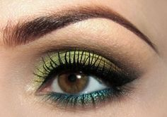 Green and blue eye shadow. Can I pull this off? Maybe