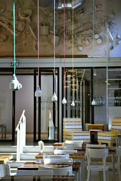 Hanging coffee-cups in the Wenneker-builing Schiedam. Design by http://pinterest.com/confettireclame/