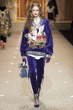 015089f3f1d6 Les 508 meilleures images du tableau Bags   Mode Dolce   Gabbana sur ...