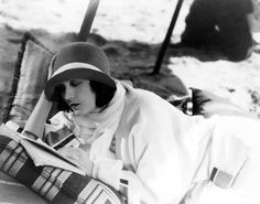 Negri reading Awesome people reading   Pola Negri (1897-1987)