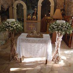 λαμπάδες με ελιά λαι λυσίανθους σε βαση απο θαλασσόξυλα..Δεξίωση | Στολισμός Γάμου | Στολισμός Εκκλησίας | Διακόσμηση Βάπτισης | Στολισμός Βάπτισης | Γάμος σε Νησί - στην Παραλία.