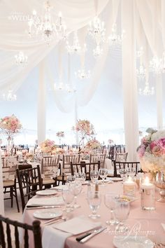 25 Jaw Dropping Wedding Ideas - Chic chandaliers | CHWV