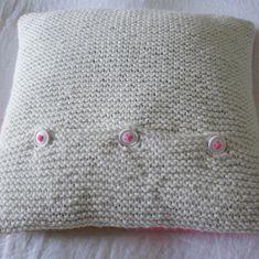La Mercerie du Faubourg aime le tuto en français de ce coussin au tricot !