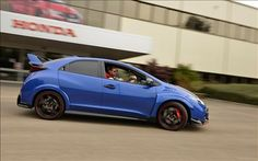 Honda Civic Type R 2016 is insanely robust and attractive to hit the tracks. Check its review to learn more.