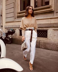Trends - The Effective Pictures We Offer You About outfits for teens A quality picture can tell you many th - 2020 Fashion Trends, Fashion 2020, Look Fashion, Fashion Styles, Street Fashion, Mode Outfits, Fashion Outfits, Womens Fashion, Fashion Clothes