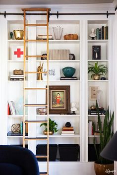 Don't you love finding IKEA hacks that are wildly functional and extremely good-looking? Kudos to this group of nine handy people changing things up with basic ikea products. Enjoy our picks for 9 Ikea Hacks. Billy Ikea, Ikea Billy Bookcase Hack, Built In Bookcase, Billy Bookcases, Ikea Shelves, Wall Shelving, Bookshelves Ikea, Bookshelf Ladder, White Shelves
