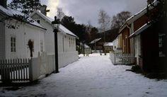 Bygata på Romsdalsmuseet en vinterdag., Bygata på Romsdalsmuseet en vinterdag. Gate, Places, Outdoor, Outdoors, Portal, Outdoor Games, The Great Outdoors, Lugares