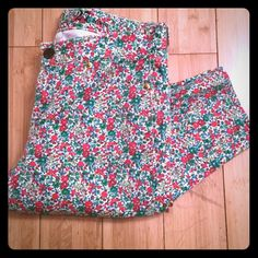 J Crew Toothpick Jeans So cute for spring! Pretty floral j crew jeans, lightly worn no stains or rips. 98% cotton, 2% spandex. 27 ankle. J. Crew Jeans Skinny