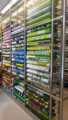 Furniture shop display garage 32 ideas for 2019 Fabric Display, Fabric Storage, Fabric Boxes, Fabric Basket, Showroom Interior Design, Boutique Interior, Trendy Furniture, Garage Furniture, Local Commercial
