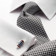 Classic black puppytooth tie on white shirt. Dress Shirt And Tie, Suit And Tie, Sharp Dressed Man, Well Dressed Men, Suit Fashion, Mens Fashion, Fashion Outfits, Shirt And Tie Combinations, Mode Masculine