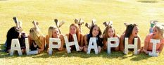 13 Cute Pictures to Take With Your Sorority Sisters