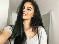 Imagen de makeup, girl, and beauty Brunette Beauty, Hair Beauty, Hair Inspo, Hair Inspiration, Gina Lorena, Prince Charmant, Girl Face, Dreads, Dark Hair