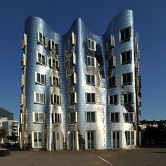 Frank Gehry, Dusseldorf, Media Harbour // photo by Stephan Rudolph