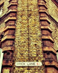 Brick Lane - Edgy and Bangladeshi part of London's East End. Enjoyed a curry and some, a bagel as we strolled through this clubby and graffiti filled backstreet. Atmosphere plus and the scene of Jack the Ripper tales. Fascinating!