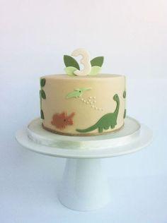 Dinasour Birthday Cake, 4th Birthday Cakes, Dinosaur Birthday Party, Baby Cakes, Die Dinos Baby, Dinosaur Party Decorations, Dino Cake, Cakes For Boys, Cute Cakes