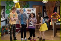 Ross Lynch, Laura Marano, Calum Worthy and Raini Rodriguez during the taping of the burglars and boobytraps episode