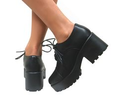 WOMENS-LADIES-VINTAGE-LACE-UP-CHUNKY-BROGUES-SCHOOL-PUMPS-PUNK-GOTH-SHOES-LOAFER