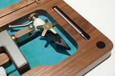 Custom Box and LAW Travel Vise Detail
