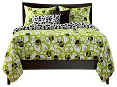 This lime green queen comforter set is exquisite in a master bedroom or teen room. Retro Bold Circles and Dots in Lemon Lime Green and Black and White. This is a duvet set has a queen size comforter, shams, pillow cases and bedskirt. If you want redecorat Lime Green Bedding, Green Comforter, Black Bedding, Lime Green Bedrooms, Full Size Duvet Cover, Queen Size Duvet Covers, Duvet Cover Sets, Bed Sets, Comforter Sets