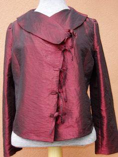 veste courte taffetas rouge grenat reflets pourpre liens nouer