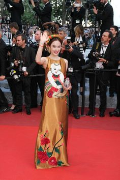 Angela Phương Trinh: Đệ nhất khoản chặt chém váy áo trên thảm đỏ - Ảnh 1.