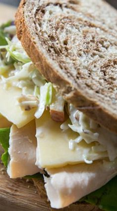 Copycat Panera Turkey, Apple and Cheddar Sandwich ~ Healthy and delicious … Copycat Panera Puten-, Apfel- und Cheddar-Sandwich ~ Gesund und lecker Mehr