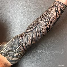 Im Arm Tatau Saint TataV LasVegas . - Im Arm Tatau Saint TataV LasVegas . Polynesian Tattoo Sleeve, Polynesian Tribal Tattoos, Tribal Tattoos For Men, Tribal Sleeve Tattoos, Best Sleeve Tattoos, Body Art Tattoos, Tribal Forearm Tattoos, Buddha Tattoos, Tattoo Women