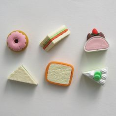 PKB-FOOD - 6 Assorted Rubber Tea Cakes & Sandwiches