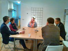 23 oktober: College wisselt bij Ineke Knol (BIJ IK-Ont-moet-ting en BewustZijn) van gedachten over haar ervaringen als kleine ondernemer m.b.t. regelgeving en vergunningverlening bij het verwezenlijken van haar plannen.