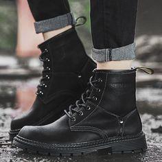 Shoespie Round Toe Plain Lace-Up Front Black Boots