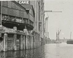 The Thames of Old London: 20 Amazing Vintage Photographs That Show the River Thames in the and 1920 London, Vintage London, Old London, London Bridge, Tower Of London, Old Pictures, Old Photos, Putney Bridge, Flood Barrier