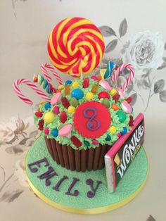 Charlie & the choc factory giant cupcake - *