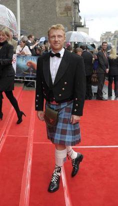 A very kilted and Scottish Kevin McKidd Kevin Mckidd, Grey's Anatomy, Gorgeous Men, Beautiful People, Hot Scottish Men, Tartan Men, Plaid, Scotland Men, Boys Wearing Skirts