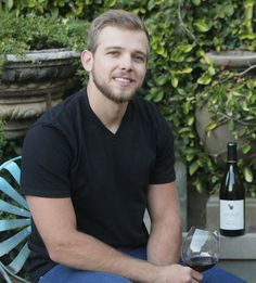 The actor and star of Bates Motel chats about co-founding his Sonoma Coast wine project, Senses. Bates Motel Cast, Max Theriot, Casey Affleck, Freddie Highmore, Norman Bates, Sonoma Coast, Classic Horror Movies, Tv Actors, Carrot Cake