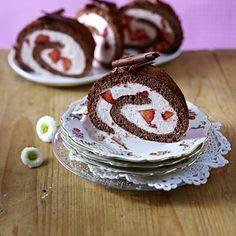 Erdbeer-Schoko-Rolle Rezept | LECKER