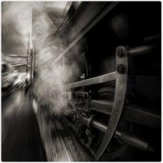 από την καμπίνα του μηχανοδηγού του Τρένου: 5 ποιήματα - δείγμα γραφής της Μαρίας Θεοφιλάκου @ http://trenopoiisis.blogspot.gr/p/m.html  Η επαλήθευση του Κόσμου   Το ζύγι       Υπό του πιεστήριου    Ο μέλλοντας της βροχής  Το Νοτούρνο του Daffodil