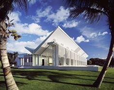 Neugebauer House, Naples, Florida. Image © Scott Frances, Courtesy of Richard Meier & Partners