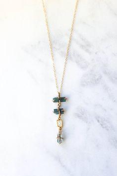 Raw Stone Jewelry, Sea Glass Jewelry, Crystal Jewelry, Aquamarine Necklace, Beaded Necklace, Beaded Jewelry Patterns, Beading Patterns, Blue Tourmaline, Minimalist Jewelry