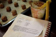 Gingersnaps -amerikanische Pfefferkuchen  http://www.family-cookies.de/2014/11/gingersnaps-meine-lieblingscookies-lets-cook-together/