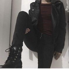115 ways to look stylish wearing grunge outfits page 22 Hipster Outfits, Grunge Style Outfits, Edgy Outfits, Mode Outfits, Grunge Fashion, Fashion Outfits, Edgy School Outfits, Grunge Clothes, Goth Girl Outfits