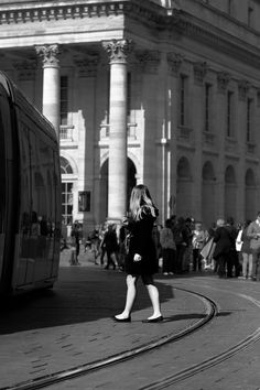 Black and White Street Photography in Bordeaux - Trapped #blackandwhite #streetphotography #bordeaux