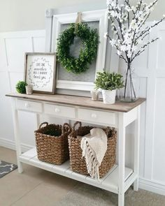 Shabby Chic home decor designs ref 4284865187 to attain for one simply smashing, sweet room. Please jump to the diy shabby chic decor ideas website now for other hints. Shabby Chic Flur, Shabby Chic Entryway, Shabby Chic Homes, Shabby Chic Furniture, Entryway Decor, Entryway Tables, Rustic Entryway, Rustic Decor, Hallway Table Decor