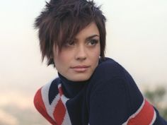 shannyn sossamon has the hair that i want. EVERY TIME. <3