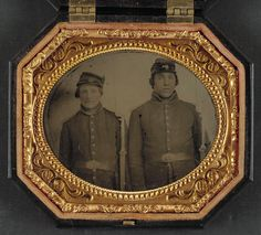 [Two unidentified soldiers in Union uniforms and forage caps with bayoneted muskets] (LOC)