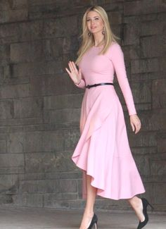 Ivanka Trump Outfits, Ivanka Trump Photos, Ivanka Trump Dress, Ivanka Marie Trump, Ivanka Trump Style, Diva Fashion, Royal Fashion, Trendy Dresses, Fashion Dresses