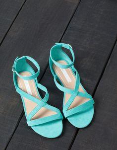 Sandálias Rasas - MULHER - Calçados - Bershka Portugal