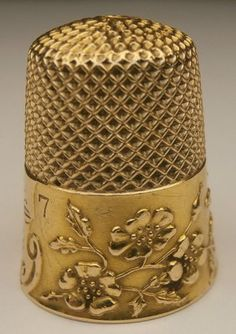 Art Nouveau Floral Repousse 12k Yellow Gold Thimble - even hand sewing had class back in the day.