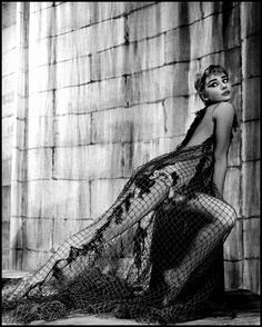 """Audrey Hepburn during the theatre production of """"Ondine"""" by Jean Giradoux. Photo by Philippe Halsman Audrey Hepburn Outfit, Audrey Hepburn Photos, Hollywood Glamour, Classic Hollywood, Old Hollywood, Philippe Halsman, Mode Poster, Ondine, Idole"""
