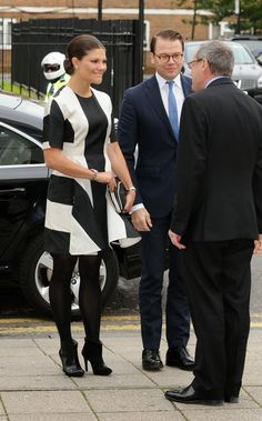 November 7, 2013, Their Royal Highnesses Crown Princess Victoria and Prince Daniel of Sweden began their two-day visit to lovely London, England. The day began with a visit to Hackney Community College in East London